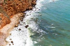 aphroditefödelseorten cyprus nära tou för romiou för paphospetra-rock vågr Royaltyfri Foto