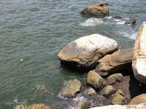 aphroditefödelseorten cyprus nära tou för romiou för paphospetra-rocks vågr Royaltyfri Fotografi