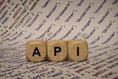 API - κύβος με τις επιστολές και λέξεις από τον υπολογιστή, λογισμικό, κατηγορίες Διαδικτύου, ξύλινοι κύβοι Στοκ φωτογραφίες με δικαίωμα ελεύθερης χρήσης