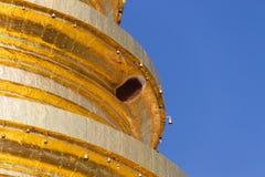 Api che annidano nella pagoda Fotografie Stock Libere da Diritti