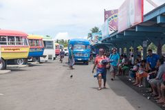 Apia, Σαμόα - 30 Οκτωβρίου 2017: Προμηθευτής πρόχειρων φαγητών στη στάση λεωφορείου Apia Στοκ φωτογραφία με δικαίωμα ελεύθερης χρήσης