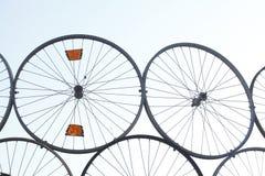 Apilado encima de las ruedas de bicicleta fotos de archivo libres de regalías