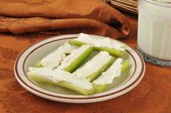 Apio y queso cremoso Foto de archivo