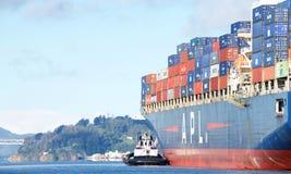 Apl-Frachtschiff PRÄSIDENT abreisender KENNEDY der Hafen von Oakland stockbild