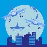 Aplane na frente da silhueta grande da cidade, ilustração lisa do estilo Fotos de Stock