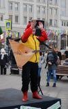 Aplausos del músico en etapa Foto de archivo libre de regalías