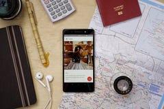 Aplicação de Airbnb Foto de Stock Royalty Free