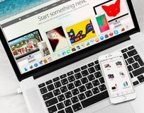 Aplicação de Apple Store na exposição do iPhone 6 de Apple Foto de Stock Royalty Free