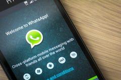Aplicação do móbil de WhatsApp Fotos de Stock Royalty Free