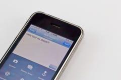 Aplicação do Twitter no móbil Imagens de Stock