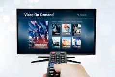 Aplicação ou serviço por encomenda video de VOD na tevê esperta Imagem de Stock