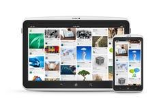 Aplicação social dos media em dispositivos digitais Fotos de Stock Royalty Free