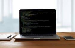 Aplicação Softwa de Team Working Laptop Computer Mobile do colaborador foto de stock royalty free