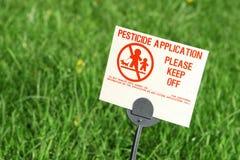 Aplicación del pesticida Imágenes de archivo libres de regalías