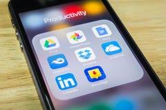 aplicaciones móviles Nube-basadas imagen de archivo libre de regalías