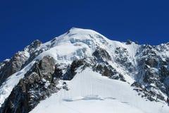 Apline δύσκολο και βουνό χιονιού Montblanc, Chamonix Στοκ Εικόνες