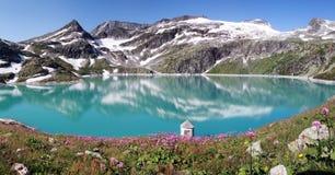 apls的Mountain湖,奥地利 免版税库存照片