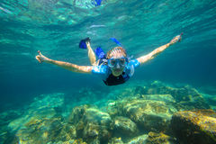 Apnea in tropical sea Royalty Free Stock Photos