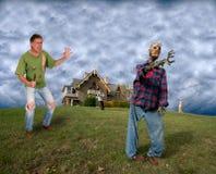 Apocalisse del mondo, zombie di lotta dell'uomo Fotografie Stock