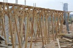 Apoio da madeira para o molde do feixe da madeira Foto de Stock