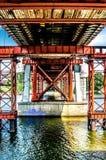 Apoios do metal da ponte da pesca sobre o rio Dnieper Kiev, Ucrânia fotografia de stock