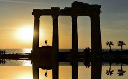 Apollo świątynia, zmierzch i gimnastyczka w świątyni Obrazy Royalty Free