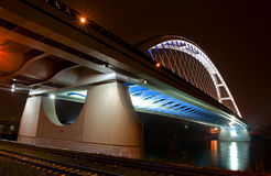 Apollo-Brücke in Bratislava lizenzfreies stockbild