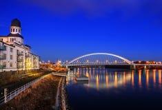 Apollo bro i Bratislava hamnbyggnad, Slovakien royaltyfri fotografi