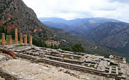 apollo delphi greece tempel Royaltyfri Foto