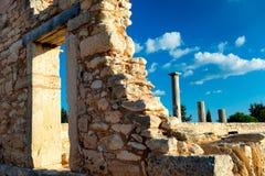 apollo hylatesfristad Södra piller på den Kourion porten Arkivbild