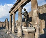 apollo pompeii staty Arkivbilder