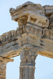 2 apollo s tempel Forntida fördärvar i sida Royaltyfri Bild
