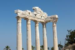 2 apollo s tempel Forntida fördärvar i sida Royaltyfri Foto