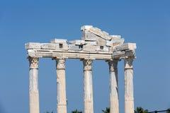 2 apollo s tempel Forntida fördärvar i sida Arkivfoto