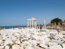 2 apollo s tempel Forntida fördärvar i sida Arkivbilder