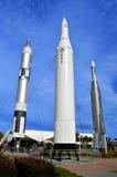 Apollo schnellt auf Anzeige im Raketengarten bei Kennedy Space Center hoch lizenzfreie stockfotos