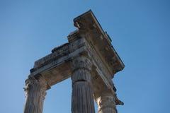 Apolo ` s寺庙和马尔塞洛` s剧院-令人惊讶的罗马,意大利 库存图片