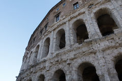 Apolo ` s寺庙和马尔塞洛` s剧院-令人惊讶的罗马,意大利 免版税图库摄影