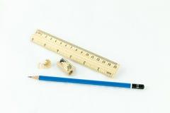 Apontador e régua de madeira Fotografia de Stock Royalty Free