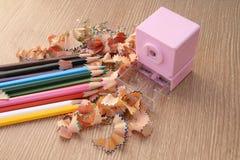 Apontando o lápis da cor Fotografia de Stock