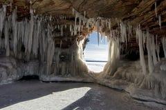 Apostel-Insel-Eis-Höhlen auf gefrorenem Oberem See, Wisconsin stockbild