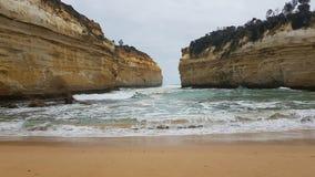 12 Apostels på den stora havvägen i den Australien Roadtrip sikten från lägre punkt Arkivbilder