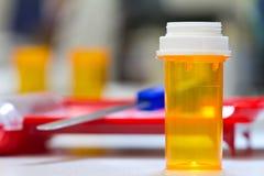 apotekliten medicinflaska Arkivbild