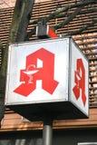Apotheke, σημάδι καταστημάτων φαρμακείων στη γερμανική γλώσσα Στοκ φωτογραφίες με δικαίωμα ελεύθερης χρήσης