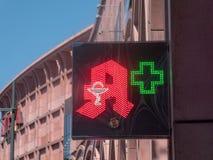 Apotheke, σημάδι φαρμακείων στη γερμανική γλώσσα Στοκ Φωτογραφίες