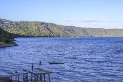 Apoyo盐水湖全景,马萨亚 库存照片