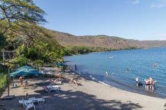 Apoyo laguny widok z ludźmi na odtwarzaniu w słonecznym dniu od Masaya, Nikaragua Zdjęcia Royalty Free
