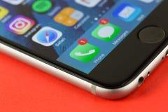 App ανακοινώσεις στο κινητό τηλέφωνο Στοκ εικόνα με δικαίωμα ελεύθερης χρήσης