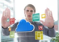 App εικονίδια και χέρια εκμετάλλευσης επιχειρηματιών επάνω μπροστά από το γραφείο Στοκ εικόνα με δικαίωμα ελεύθερης χρήσης