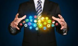 App εκμετάλλευσης επιχειρηματιών σύννεφο εικονιδίων Στοκ Εικόνες
